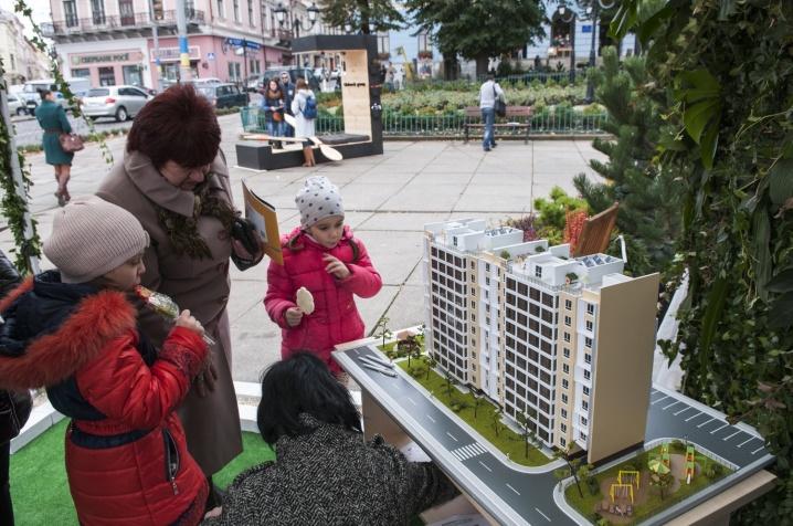 """У Чернівцях триває архітектурний фестиваль """"Просто неба"""""""