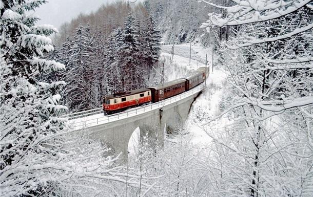 На новорічні свята до Ужгорода пустять декілька додаткових поїздів
