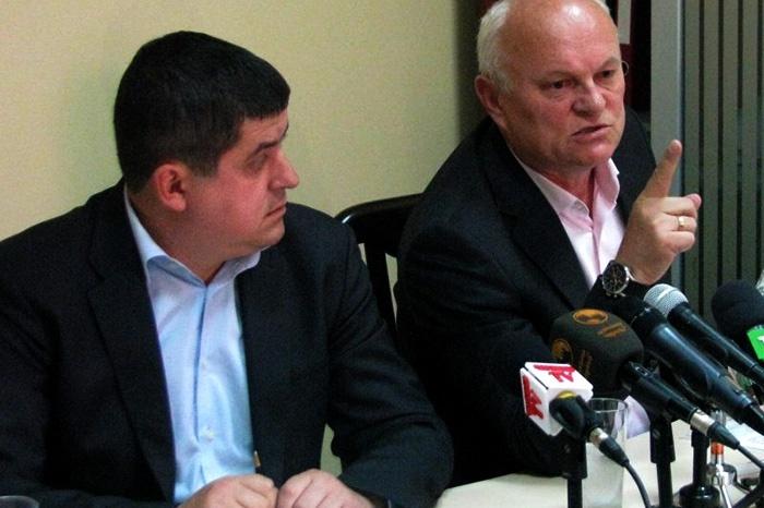 Депутатське звернення Фищуку, про призначення позачергових виборів в Чернівецької міської ради