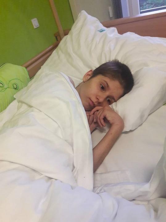 У Польщі розпочалась реабілітація 13-річної чернівчанки, котра потрапила у жахливу аварію