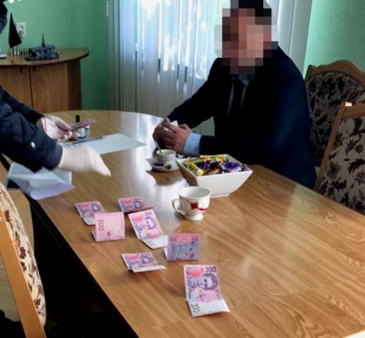 Головного лісівника Буковини затримали під час спроби підкупу посадовця поліції