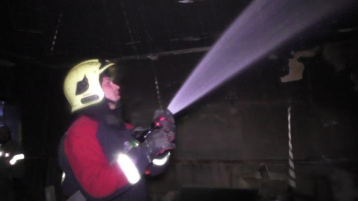 Вогонь охопив 9 квадратних метрів — рятувальники розповіли подробиці пожежі у школі