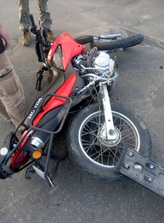 У Чернівцях джип збив мотоцикліста. Водій покинув машину та втік