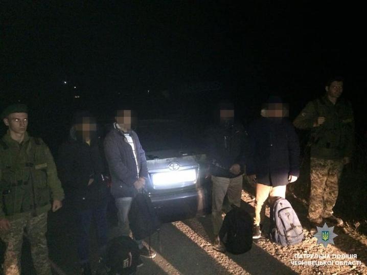 У Чернівцях патрульні виявили нелегалів з Бангладешу