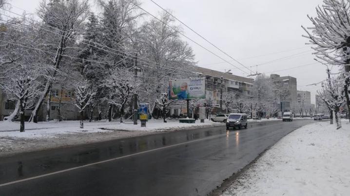 Дороги у Чернівцях розчищено від снігу
