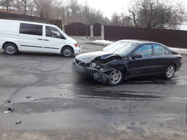 ДТП на вулиці Хотинській, є потерпілі
