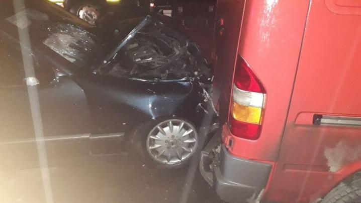 На вулиці Івасюка у Чернівцях із вини нетверезого водія зіткнулися 4 автівки