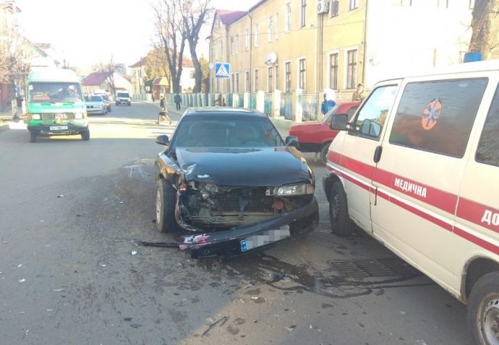 У Сторожинці потрійна ДТП за участі автівки однієї зі служб охорони