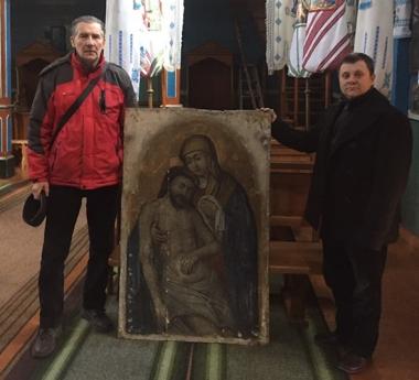 Чернівчанин придбав на блошиному ринку старовинну ікону, яку викрали з церкви