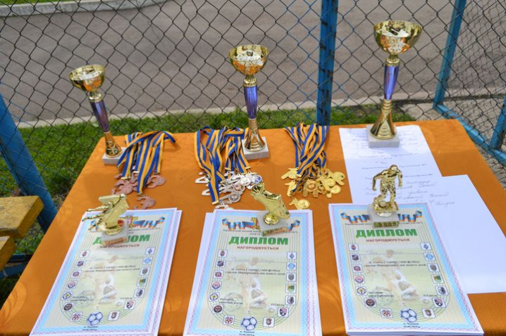 До Дня захисту дітей у Чернівцях провели турнір з мініфутболу