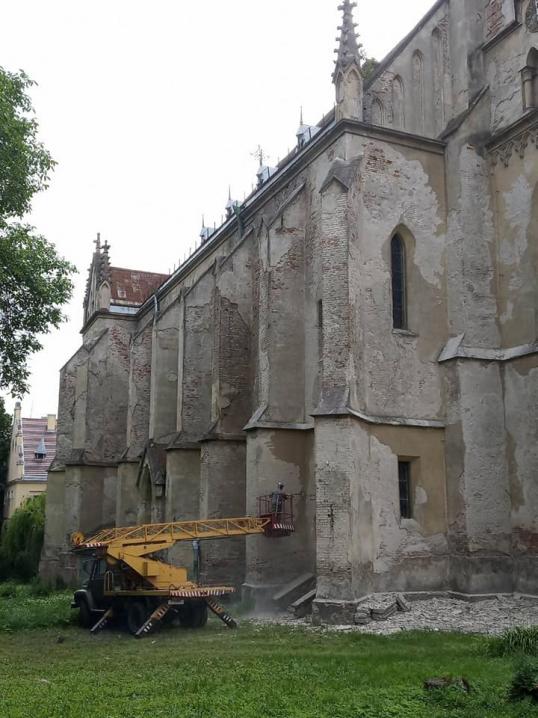 Зібрані з фестивалю кошти передали на реставрацію Костелу Серця Ісуса