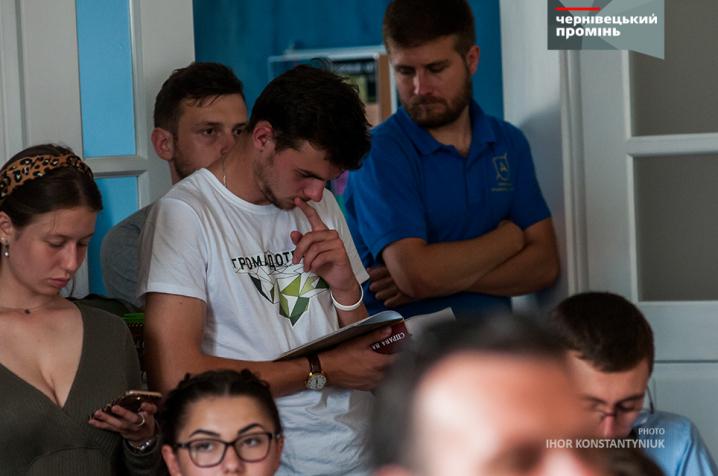 Відомий журналіст Вахтанг Кіпіані презентував у Чернівцях книгу про Василя Стуса