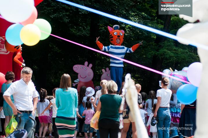 У Чернівцях фестивалили грайливі аніматори
