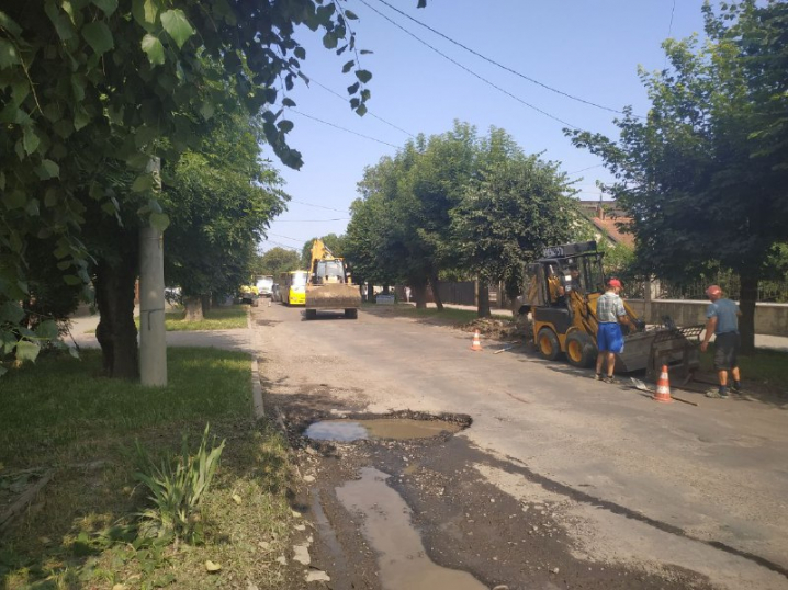 Оксана Продан пообіцяла відремонтувати вулицю Щербанюка у найкоротші терміни