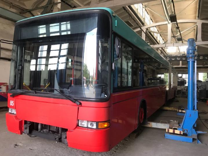 Підмога тролейбусам. ЧТУ придбало тягач для техдопомоги