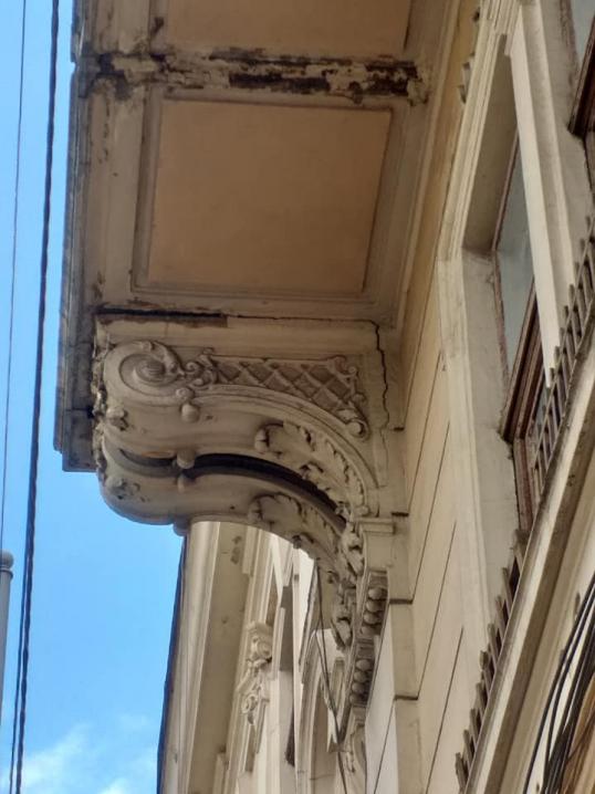 З Будинку-корабля демонтували аварійну частину балкону