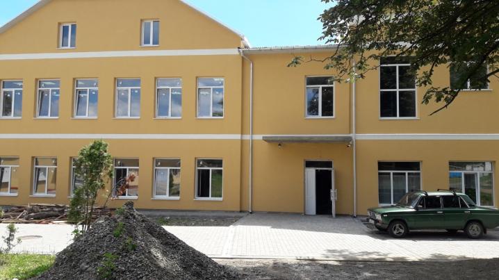 Триває реконструкція школи №38 у Садгорі