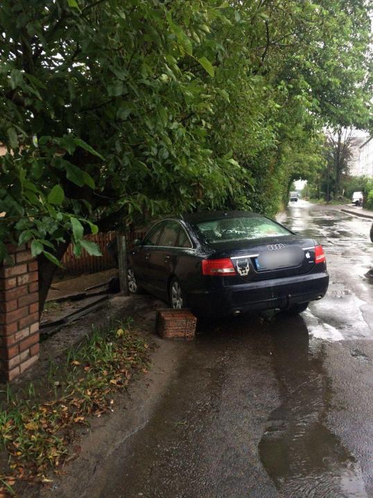 ДТП у Чернівцях: на розі Винниченка та Кармелюка зіткнулися мікроавтобус та легковик