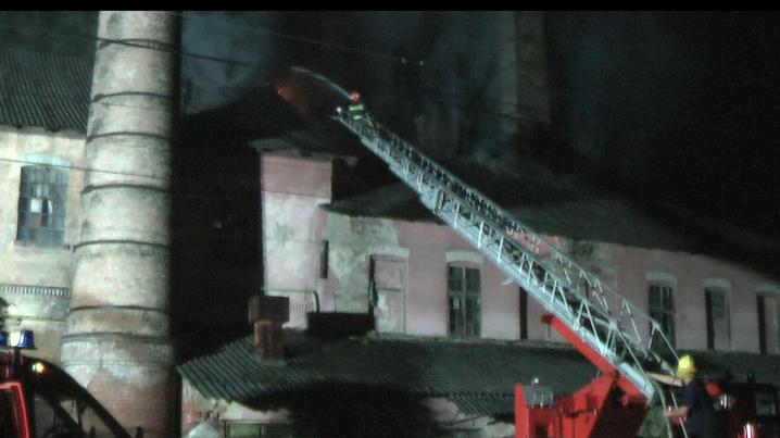 Рятувальники розповіли подробиці масштабної пожежі на цегельному заводі