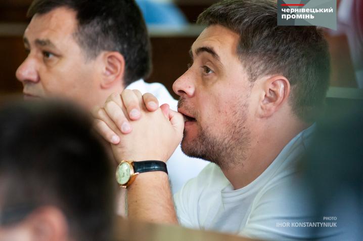 Сесія Чернівецької міської ради у фотографіях
