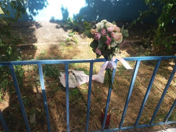 Подробиці самогубства дівчини у Чернівцях - вона з благополучної та неконфліктної сім'ї