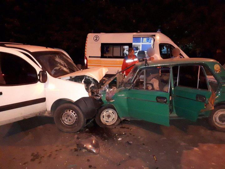 Довелося залучати навіть рятувальників - патрульні розповіли про подробиці трагічної ДТП на вулиці Героїв Майдану в Чернівцях