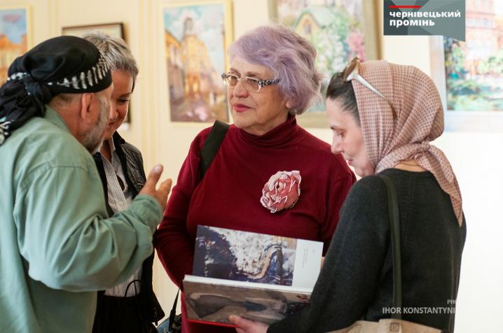 В Художньому музеї відкрилася виставка міських пейзажів відомих історичних та культурних перлин Чернівців