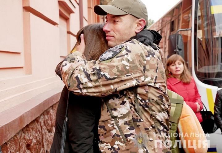 Буковинські поліцейські відправилися у зону проведення ООС