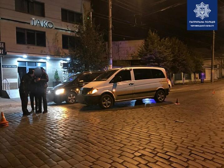 Цієї ночі в Чернівцях сталося дві ДТП. В обох випадках водії були п'яні