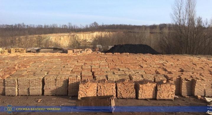 На Буковині СБУ заблокувала видобуток копалин, який завдав державі збитків майже на 20 мільйонів гривень