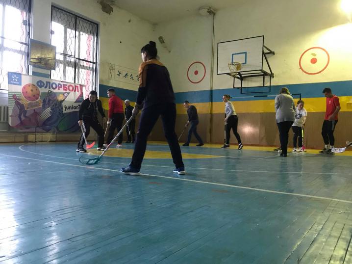 Відомий телеведучий Олександр Педан у Чернівцях провів зустріч з вчителями фізкультури