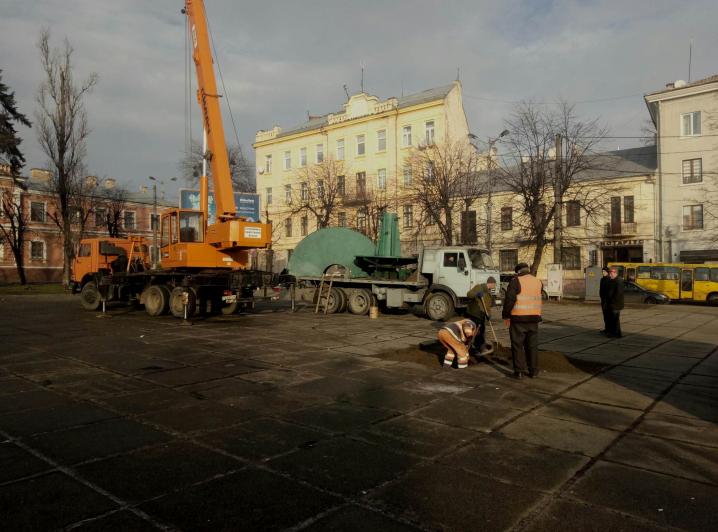 В мережі з'явилося фото головної ялинки Чернівців