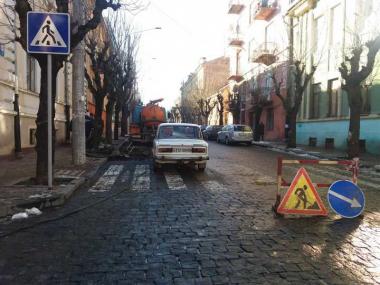 У Чернівцях розрили вулицю Хмельницького, яку кілька років ремонтував Каспрук