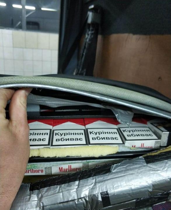 На «Порубному» через контрабанду цигарок чоловік позбувся автівки