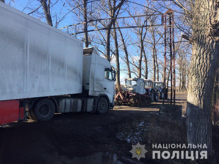 З'їхав у кювет: поліціянти допомогли водію-іноземцю