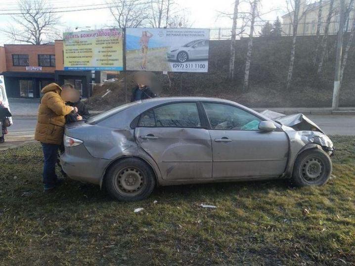 У Чернівцях зіткнулися два автомобілі