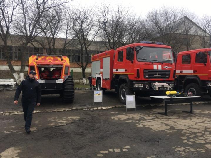 На Буковині рятувальникам передали нову техніку