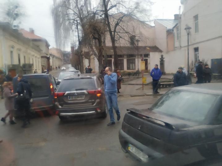 ДТП на вулиці Руській: зіткнулися два автомобіля