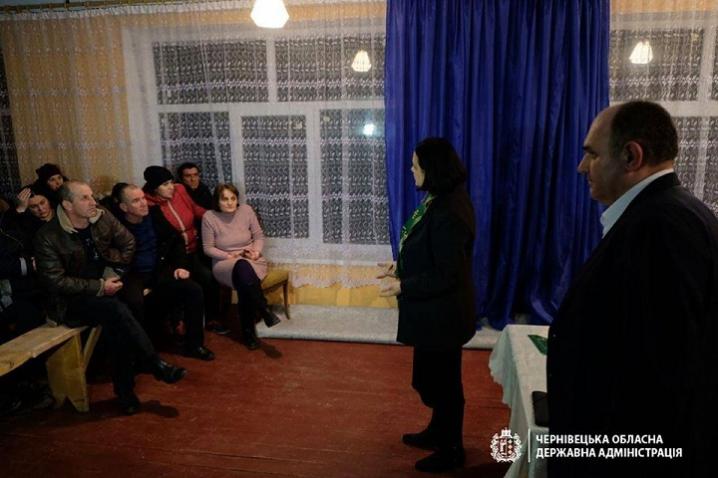 Сім'я з Хотинщини, яка нещодавно повернулась з Китаю, не становить загрози для людей