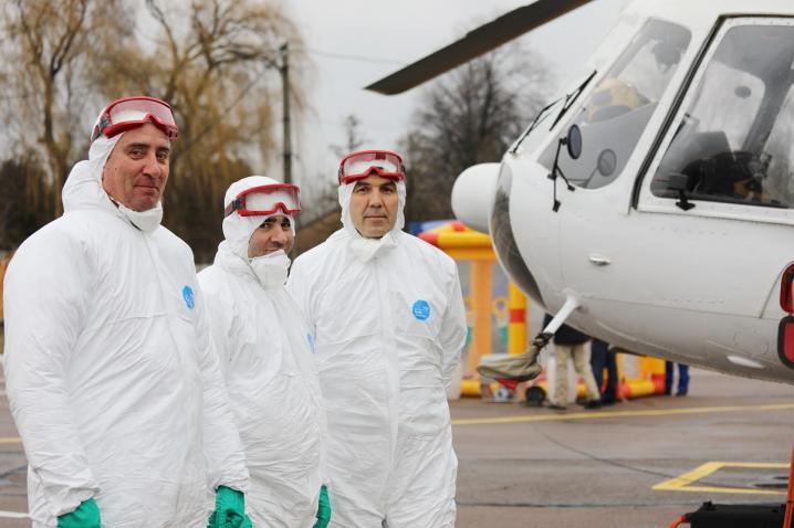 Людей, що, можливо, хворі на коронавірус будуть транспортувати на спеціальному санітарному гелікоптері