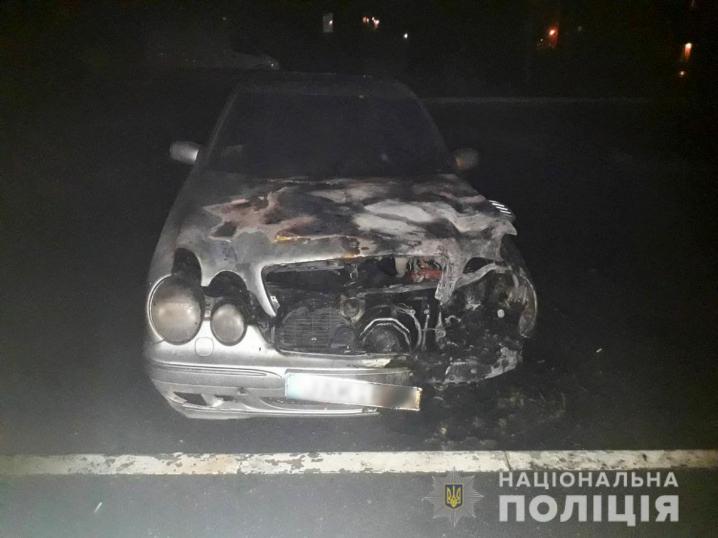 Підпал 4 автомобілів у Чернівцях та Новодністровську