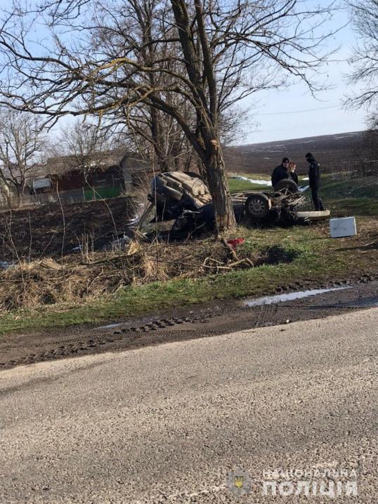 ДТП на Глибоччині: водій не впорався з керуванням та з'їхав у кювет