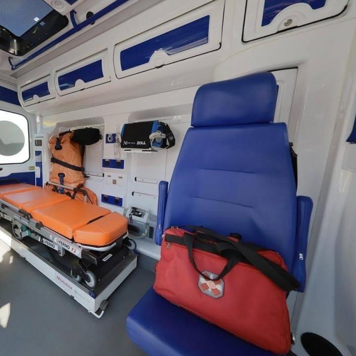 Чернівці отримали сучасну машину швидкої допомоги