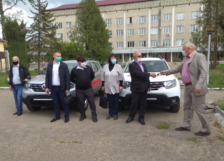 Сільські амбулаторії Сторожинецької ЦРЛ отримали нові автомобілі