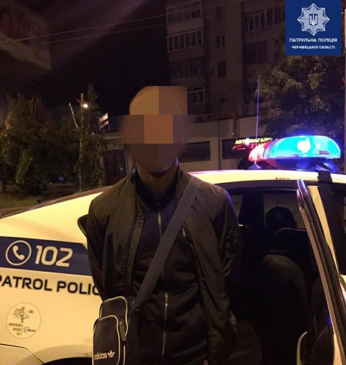 У Чернівцях 17-річний юнак викрав Москвич