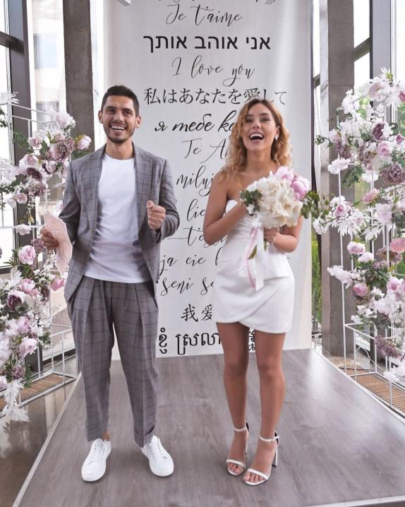 Більше не холостяк: Нікіта Добринін сьогодні одружився з переможницею шоу