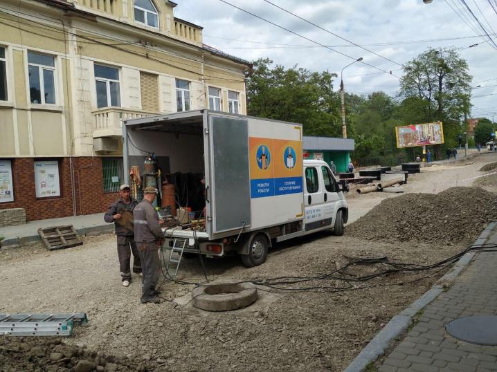 На перетині Руської і Шевченка замінюють газопровід і мережі