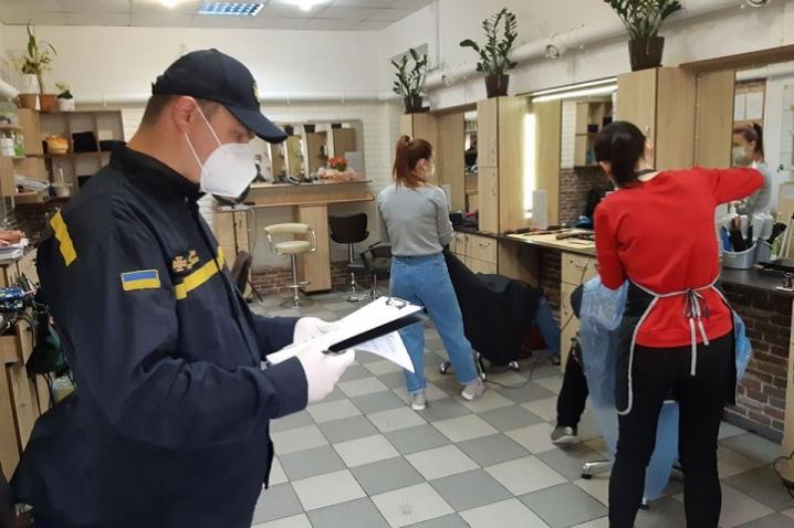 Оперативно-мобільні групи перевіряють дотримання карантинних заходів на Буковині