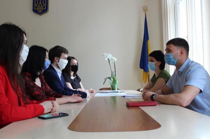 Молодіжна рада при ОДА обговорила основні напрямки реалізації молодіжної політики на Буковині