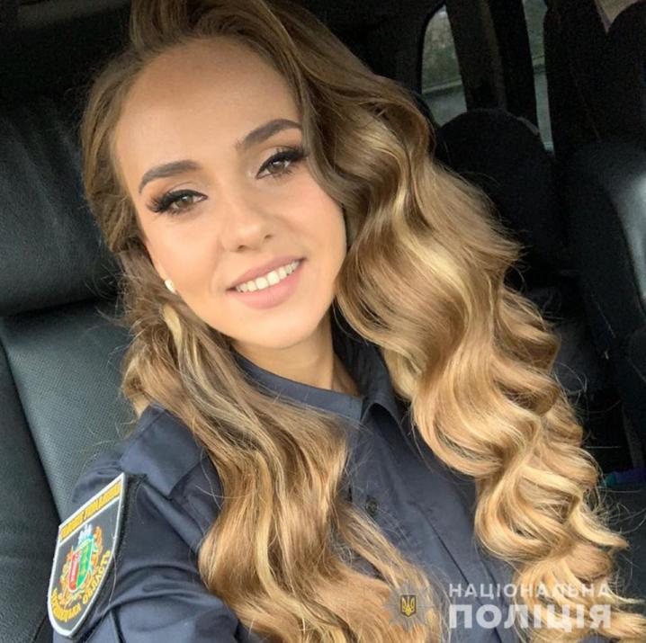 Буковинська поліцейська здійснила мрію онкохворої дівчинки